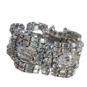 Astounding Sherman Ice Crystals Bracelet in EUC